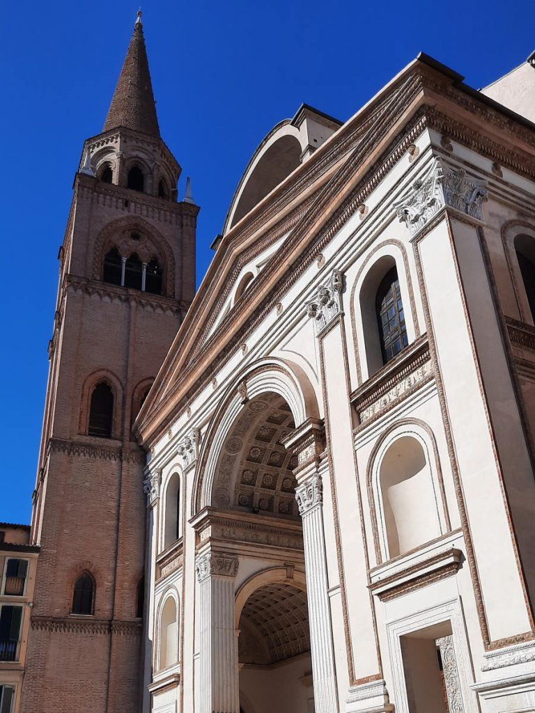 esterno Basilica di Sant'Andrea