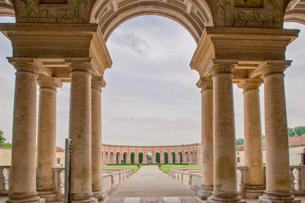 Palazzo Te - interno giardino