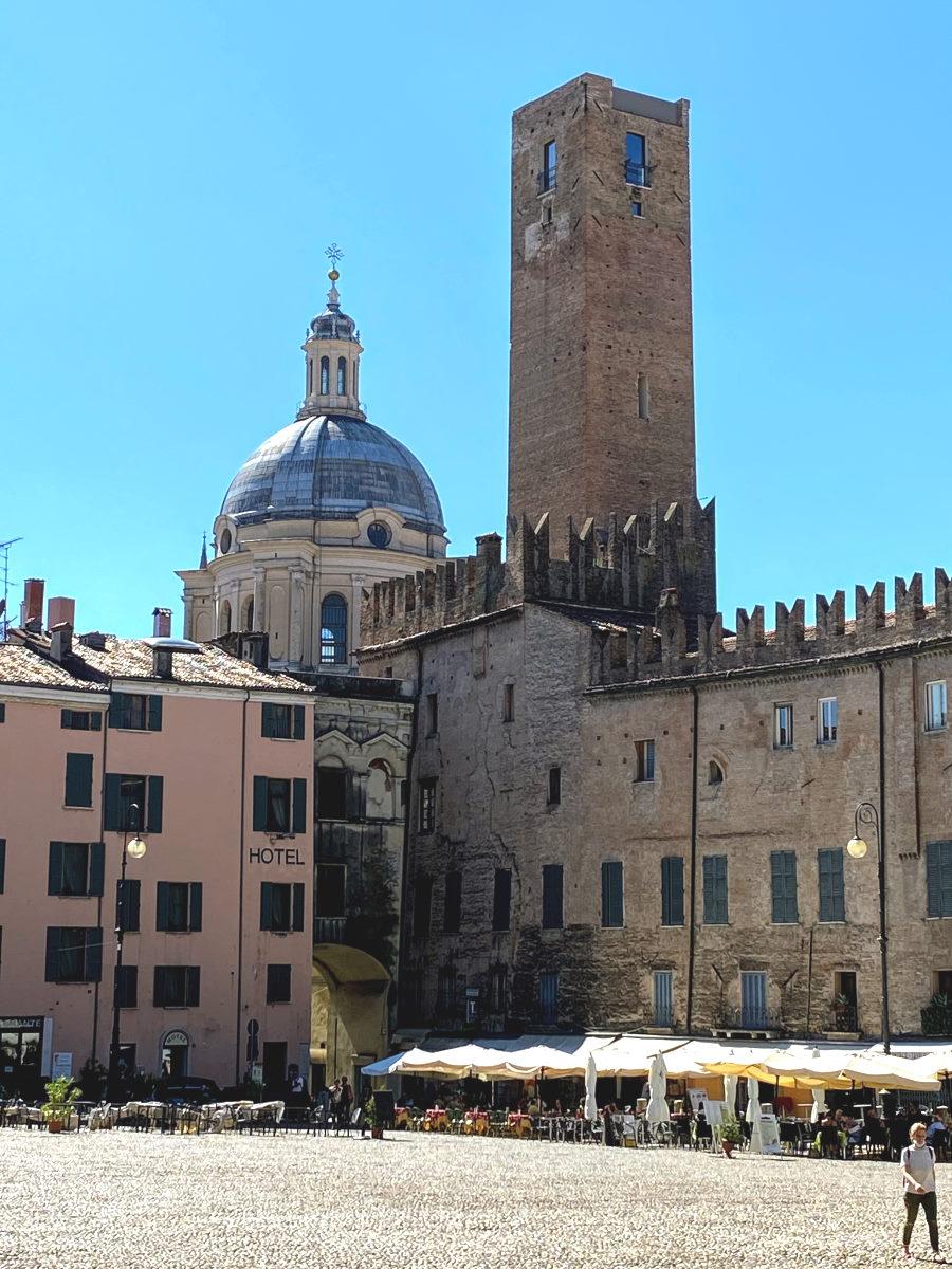 Torre della gabbia Mantova