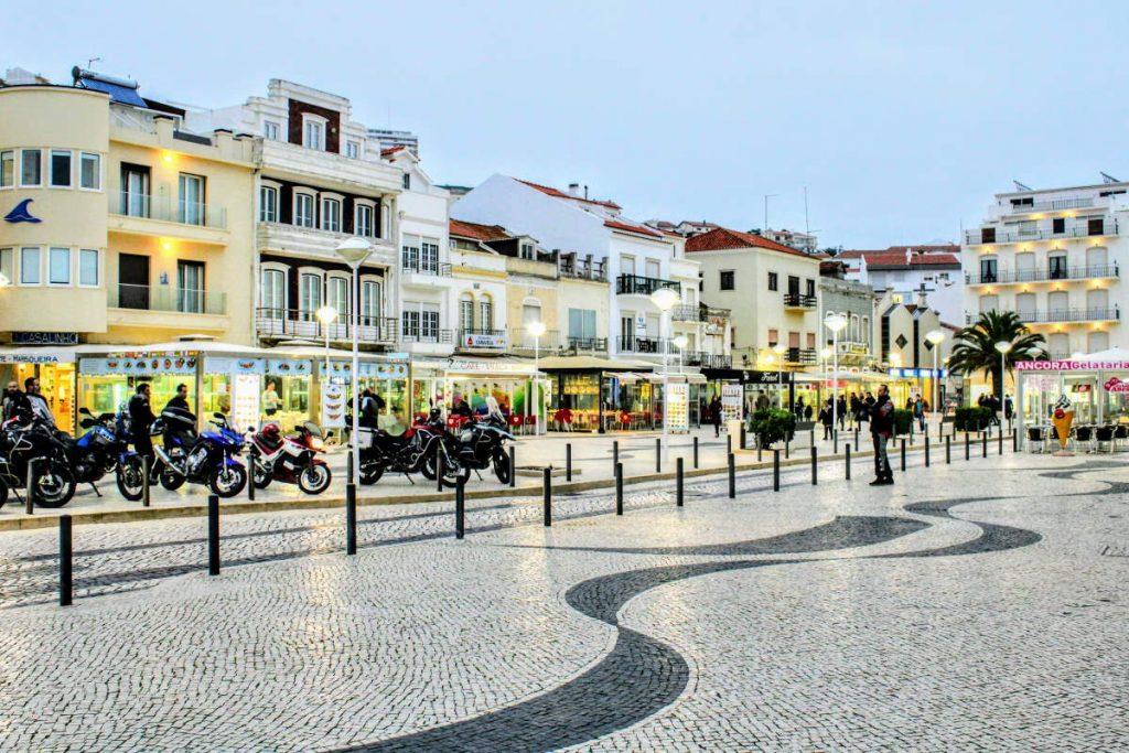 Cosa vedere a Nazaré piazza centro Nazaré