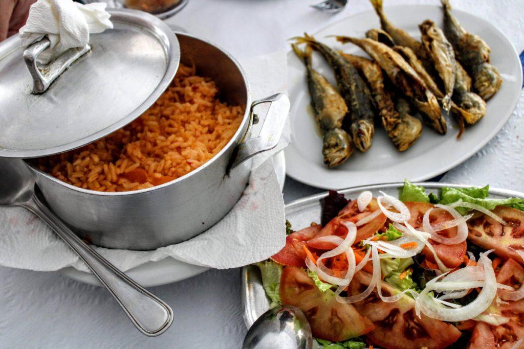 Dove mangiare a Nazaré riso e sardine