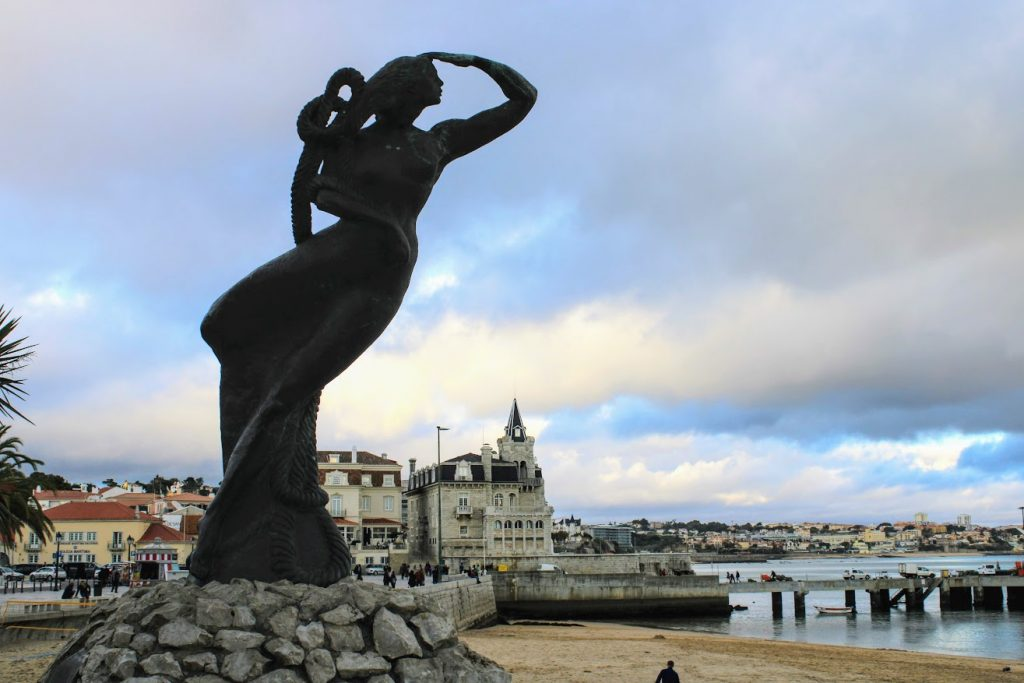 statua sirena cascais