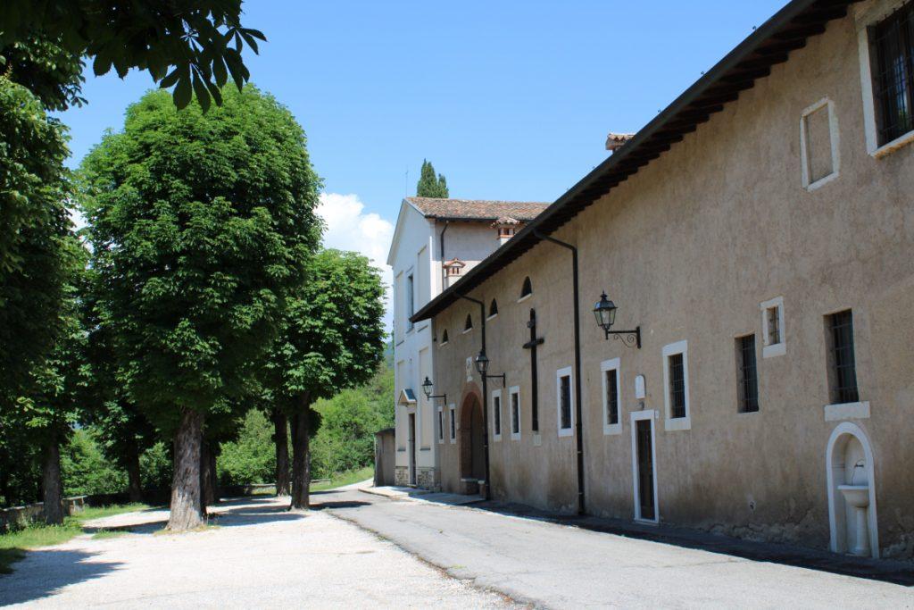 Convento Rezzato, monastero francescano Convento Frati Minori San Pietro Apostolo o Convento di San Pietro in Colle