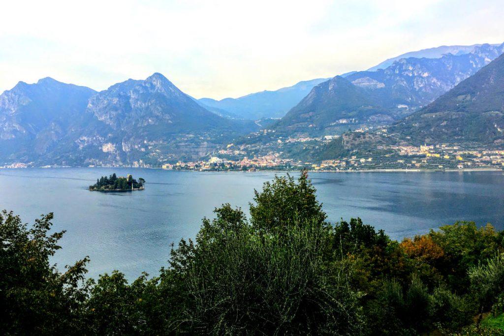 Da Monte Isola vista su isola di Loreto