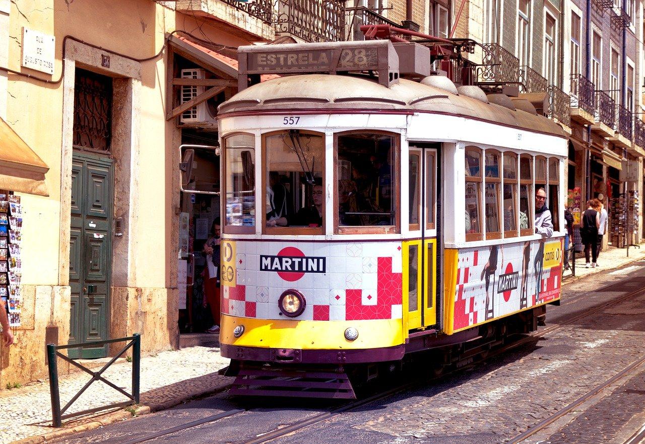 Un giorno a Lisbona a bordo del Tram 28