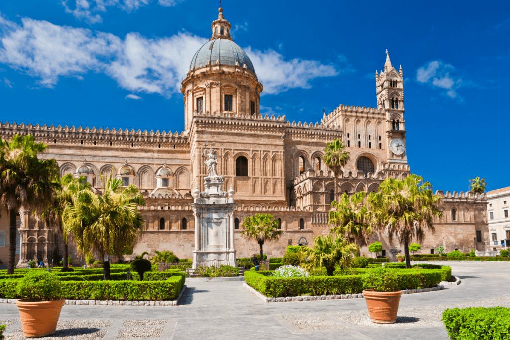 come risparmiare soldi per un viaggio - Palermo