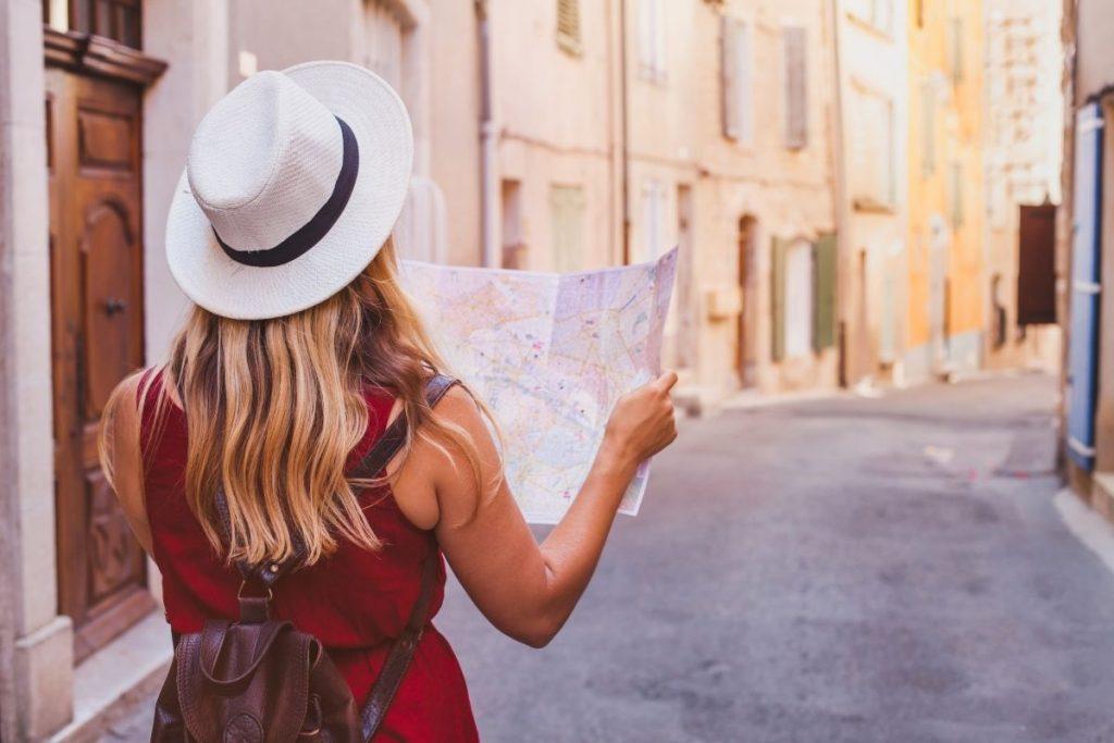errori da non fare quando viaggi da sola - sembrare persa