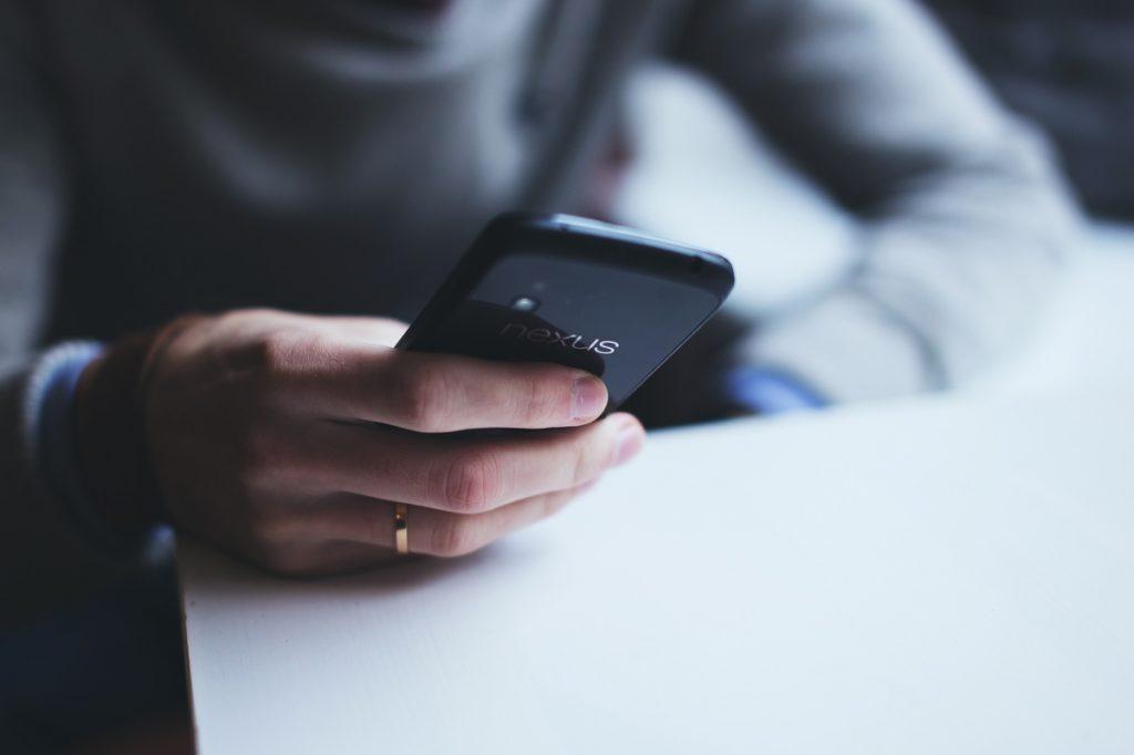 buone maniere al telefono: galateo dello smartphone
