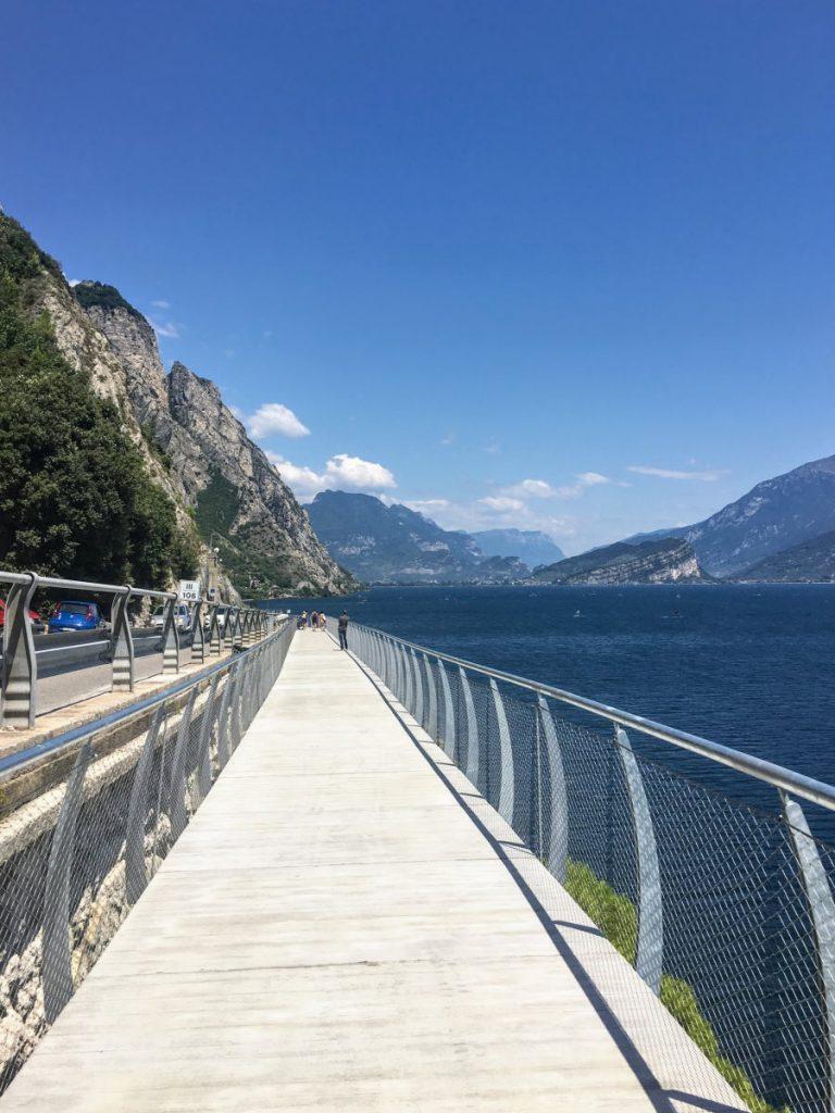 the cycle path of Garda